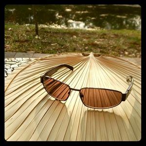 NWT Burberry unisex sunglasses